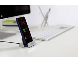 Belkin Charge + Sync Dock for iPhone 5 - Compact, Portable Design