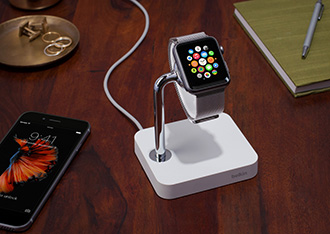 Hero-shot - Belkin Watch Valet™-laadstation voor de Apple Watch