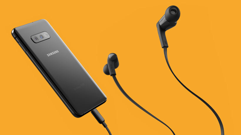 Belkin ROCKSTAR Headphones connected to a smartphone